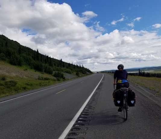 best touring bike under 1000