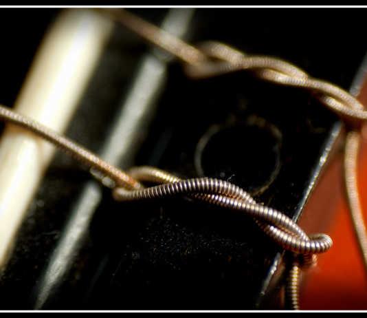 types of guitar strings